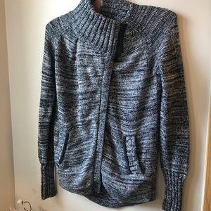 Lululemon ivivva Wrap Star Sweater Grey Girls Youth Size 10
